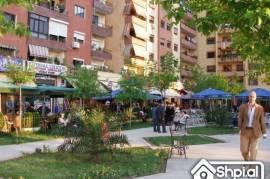 Jepet ambient biznesi me qera, Komuna Parisit!!!, Tirana