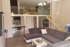 Jepet me qera apartameti dublex, Tirana, Qera