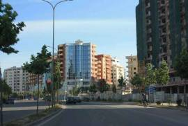 OKAZION UNAZA E RE...SHITET 3+1+GARAZH , Shitje, Tirana