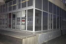 Dyqan me qera, Qera