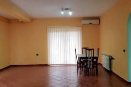 VILE ME QERA- QYTETI STUDENTI , Tirana, Affitto