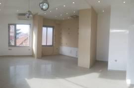 Ambient per Zyre (42 m2) Brenda nje Qendre Biznesi, Qera, Tirana