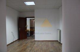Ambient zyre me qira ne zonen e Bllokut ne Tirane, Qera