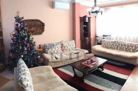 Shitet apartament 3+1 në Rrugën ''Ismail Qemali'' , Sale