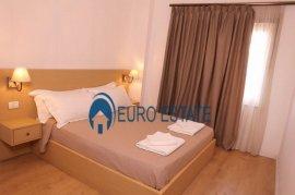 Tirane, Shitet  Hotel  1.000 m2, 1.7 Mln Euro