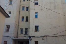 Shitet Apartament 3+1 ne qender Qytetit ,Lezhe, Shitje