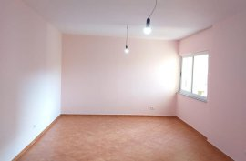 Jepet me qera2+1 ,85 m2, 270 euro,Rr E Elbasanit, Affitto