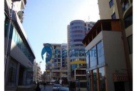 Tirane, jap me qera dyqan Kati 1, 30 m² 500 Euro , Affitto