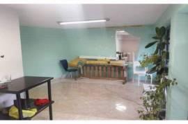 Tirane, shes dyqan Kati 1, 30 m² 45.000 Euro (Pall