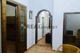 Apartament 2+1 me siperfaqe 126m2, Ali Dem 300Euro, Qera