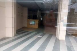 Jepet me qera dyqan ne ish Bllok, Qera, Tirana