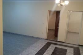 Apartament 3+1,120m2, 93000 euro prane Globe, Shitje