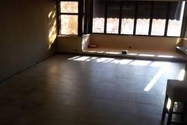 Ambjent komercial 210 m2 ,1500 eur, Ish-Ekspozita, Tirana, Qera