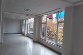 SHITET AMBIENT BIZNESI  TEK RRUGA ''5 MAJ'', Tirana