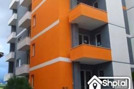 Shitet apartament tek Liqeni 3+1, Tirana