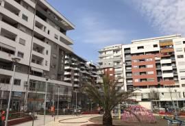 Per 700 euro/m2 shitet ambjent sherbimi,Astir, Tirana