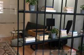 Ambjent zyre me qera tek Torre Drini, Qera