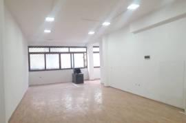 Amb per Zyra, Klinika etj (90 m2) tek Pazari i Ri , Qera