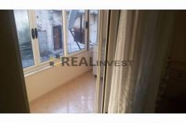 Apartament 2+1, 64 m2, 300 euro, tek 21 Dhjetori!, Qera