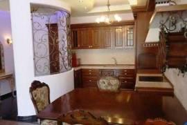 Apartament me Qira