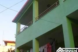 Ofrohet kati II ose e gjithe Vila ne Tirane