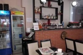 Bar Kafe ne shitje ne kompleks banimi, Tirana