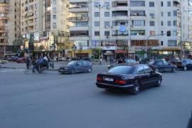 Shitet apartament 2+1, tek Bulevardi Zogu I !!, Shitje, Tirana