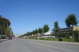 Shitet dyqan, Blv Gjergj Fishta!!, Tirana