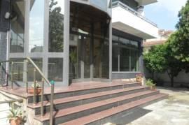 Ndertese 5 kate + bodrum me qera ne Tirane, Qera, Tirana