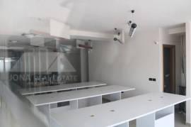 Ambient zyre me qera te Pazari i Ri ne Tirane, Qera