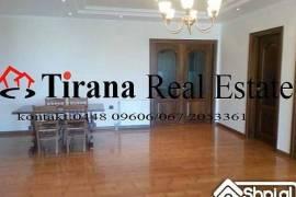 Tirane, jap me qira Ambjet zyre Rr. Ismail Qemali, Tirana
