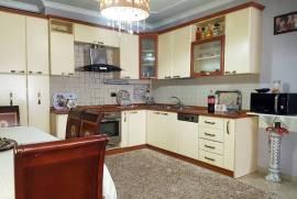 Shitet apartament 3+1 ne Ish Bllok, Shitje, Tirana