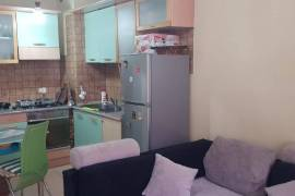 Shitet apartament 1+1 tek Komuna e Parisit, Shitje, Tirana