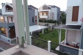 Jepet me qera super vil tek TEG, Tirana, Qera
