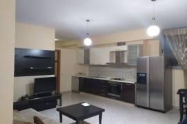Jepet me qera | Apartament 1+1, 86 m2, 400 euro, Ενοικίαση