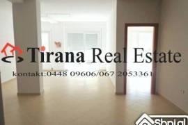 Tirane, shes Apartament 2+1 ne  Kombinat