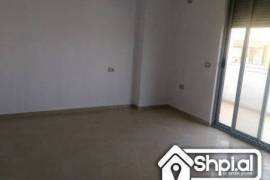 OKAZION! Apartament 2+1 per shitje ne Qender, € 120.000,00