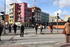 SUPER OKAZION NE NDERTIM PRANE 21 DHJETORIT, Shitje, Tirana
