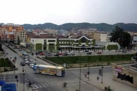 MBRAPA VASIL SHANTOS SHITET DYQAN, Tirana