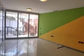 Amb (35 m2) i Investuar, Brenda nje Qendre Biznesi, Qera