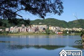 okazion tek liqeni i thate shitet apartament 2+1, Tirana