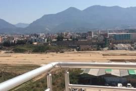 Shitet apartament prane stacionit te trenit, Shitje, Tirana