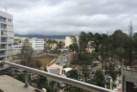 Apartament luksoz ne shitje prane parkut te liqeni, Shitje, Tirana
