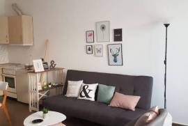 Apartament Modern me qera ditore tek rr.Kavajes