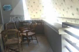 Apartament 2 + 1 me qera prane rruges se Elbasanit, Tirana, Qera
