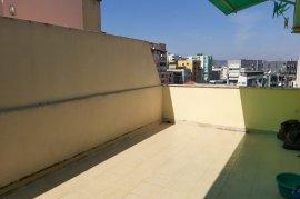 Shitet apartament 2+1+3 poste parkimi ne Komune te, Qera