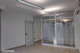 Super Amb 75 m2 ne nje Qender Biznesi-Pazari i Ri, Qera