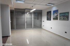 Ambient (36 m2) ne nje Qender Biznesi-Pazari i Ri, Qera