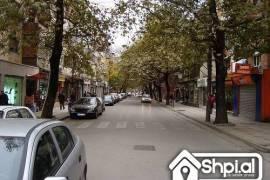 Ne Myslym Shyr jepet me qera apartament 3+1, Tirana, Qera