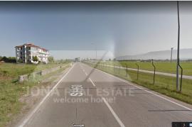 Toke ne shitje buze rruge, te Aeroporti Nene Terez, Durres